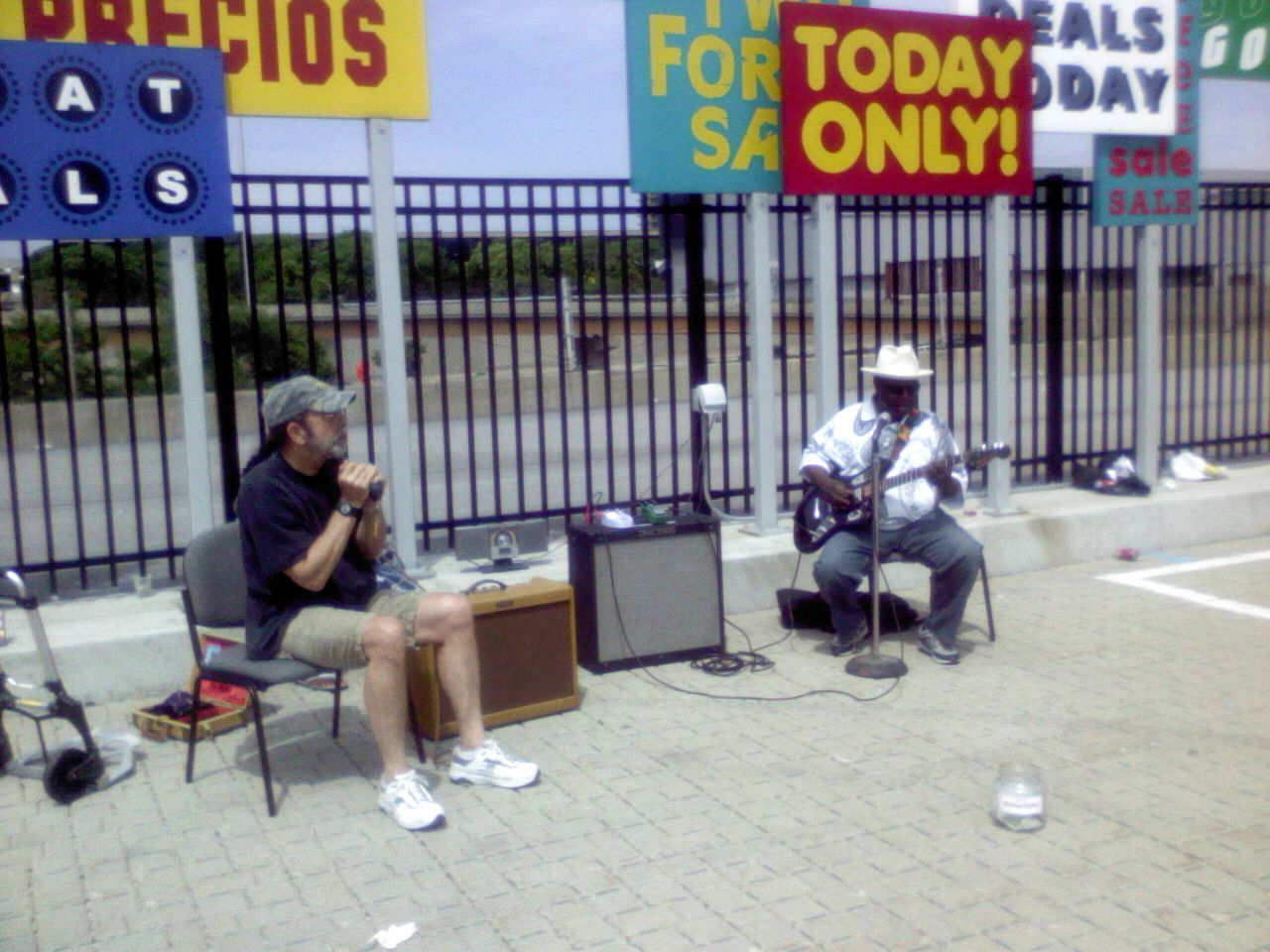 Maxwell Blues Jam w/Chainsaw Dupont brings blues back to Maxwell Sunday Market